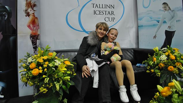 Nina Petrõkina with her coach Svetlana Varnavskaja from Estonia.