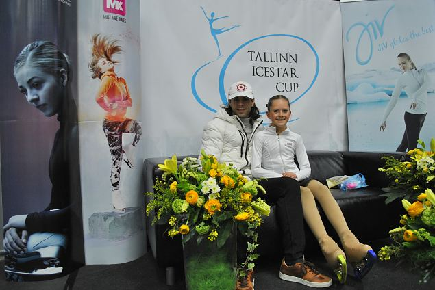 Julia JOHANSSON /4th place Cubs/ from Sweden with her coach.
